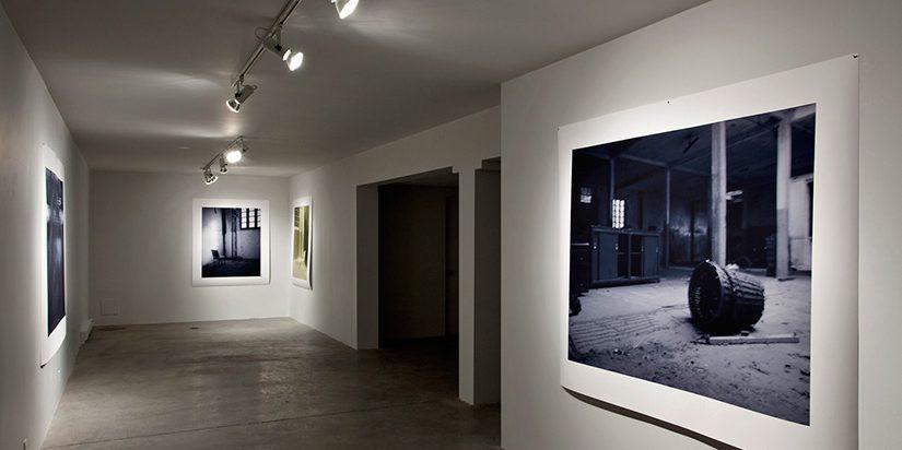 Vue d'ensemble de l'exposition «S'absenter» 2009 présentée à la galerie Occurence