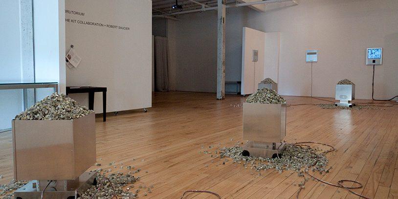 2008 : Virutorium , AC Institute, New York City, New York, États-Unis, 2011 Aluminium, plastique, composantes électroniques et mécanismes, ordinateur et écran, claviers