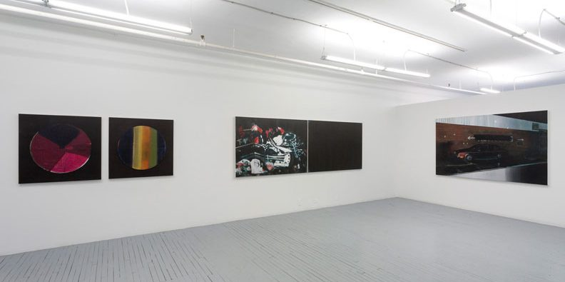 Vue de l'exposition MATIÈRE NOIRE, 2014. Photo : Guy L'Heureux